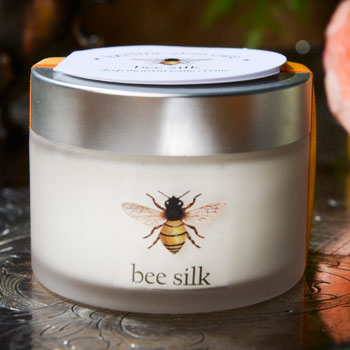 bee-silk-moisturizing-creme